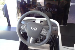 infiniti-virtual-reality-experience-steering-wheel